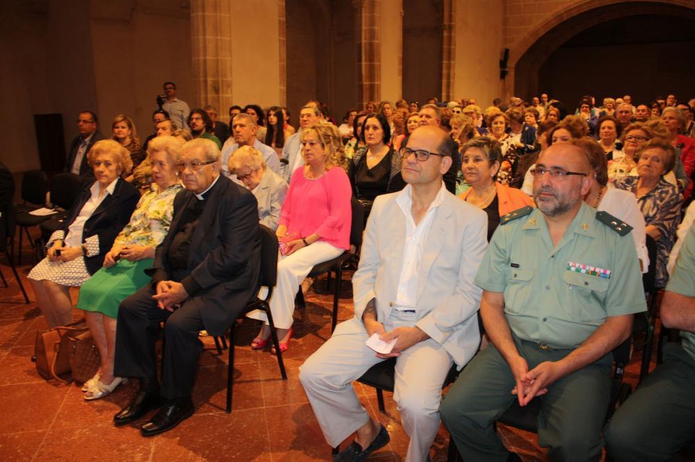 Los asistentes en la capilla del Convento Santo Domingo