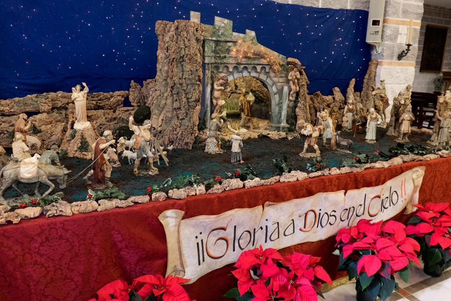 Belén de la parroquia Virgen Milagrosa y San Dámaso