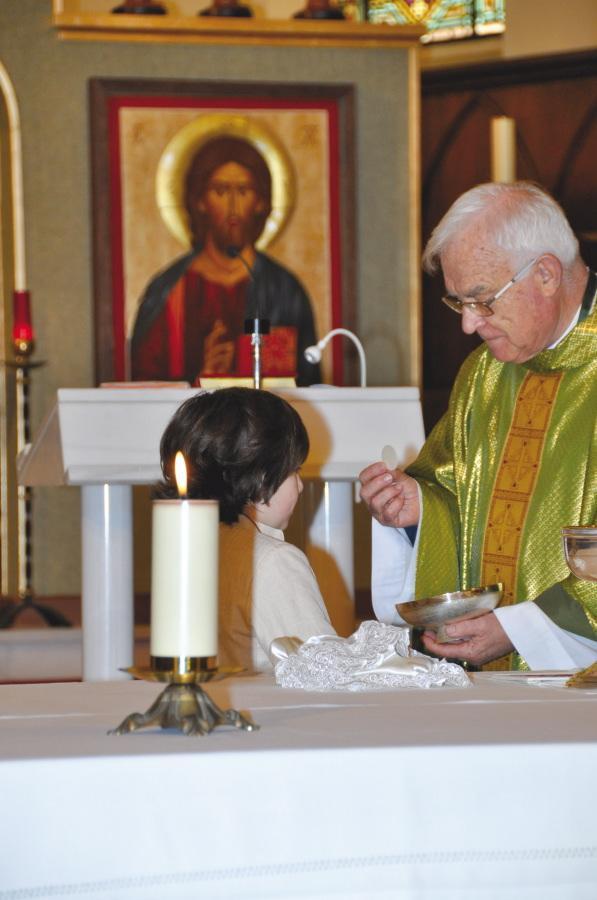 Carlos Conde recibió por primera vez la comunión en la parroquia de San Patricio, en Málaga