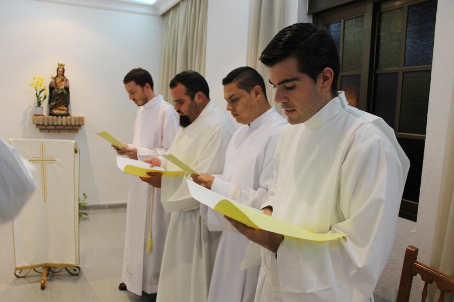 José Miguel Porras, Francisco Cuenca, Carlos Samuel Córdoba y Miguel Chacón el día de la firma del celibato y la profesión de fe  · Autor: M. J. OTERO