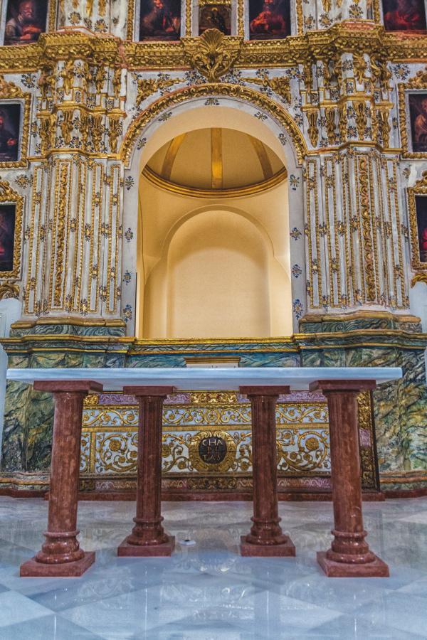 Nueva mesa de altar a consagrar en la iglesia de la Victoria de Archidona