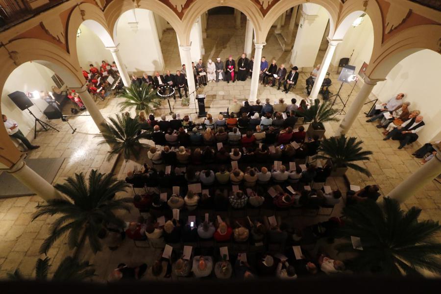 I Encuentro Interreligioso por la Paz en ArsMálaga Palacio Episcopal  · Autor: S. FENOSA