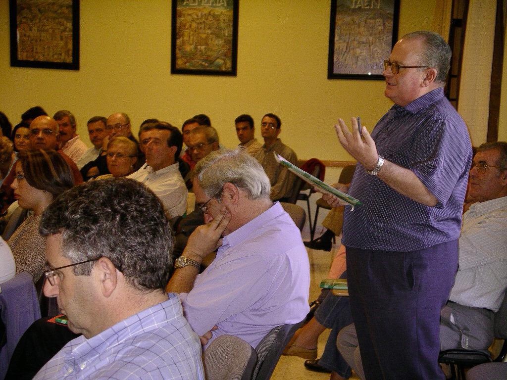 Manuel Torres participando en una sesión del Consejo Pastoral Diocesano