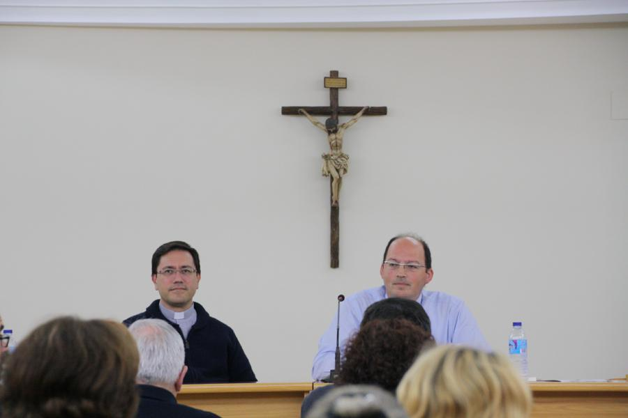 """Conferencia del sacerdote Guillermo Tejero, profesor de Moral, en el ciclo sobre """"Amoris laetitia""""  · Autor: E. LLAMAS"""