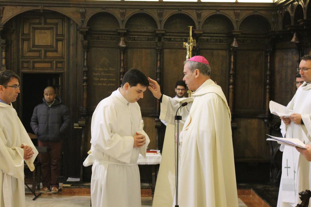 Rito de admisión de los seminaristas en el encuentro con el presbiterio