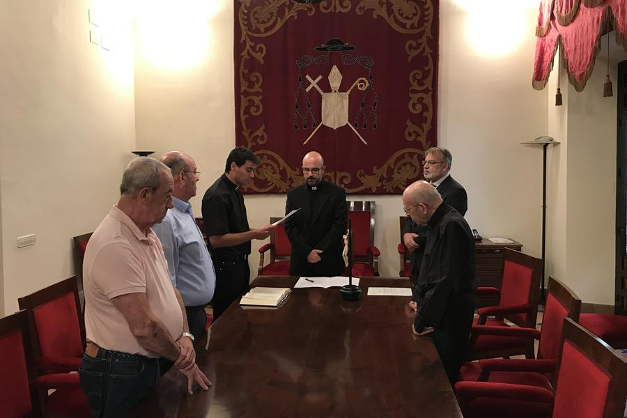 Juramento y Profesión de Fe del Defensor del Vínculo, el sacerdote Rafael Navarro Cortés, en la Sala de Juntas del Palacio Episcopal