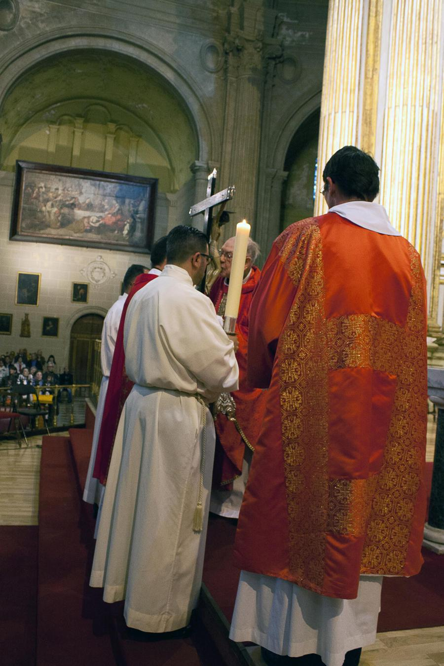 Celebración de la Pasión y Muerte del Señor en la Catedral el Viernes Santo // M. ZAMORA