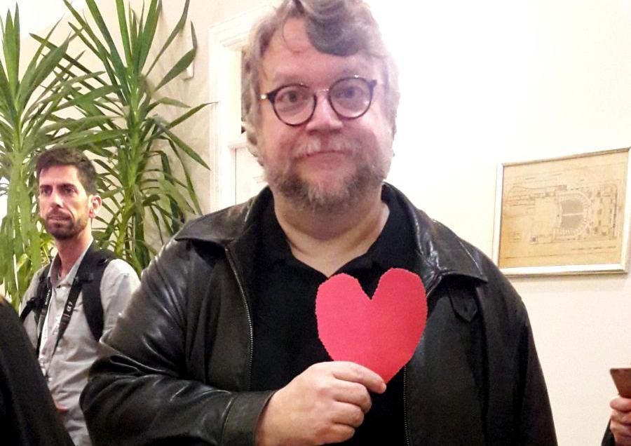 El director de cine Guillermo del Toro también apoya la campaña #MalagueñosConCorazón