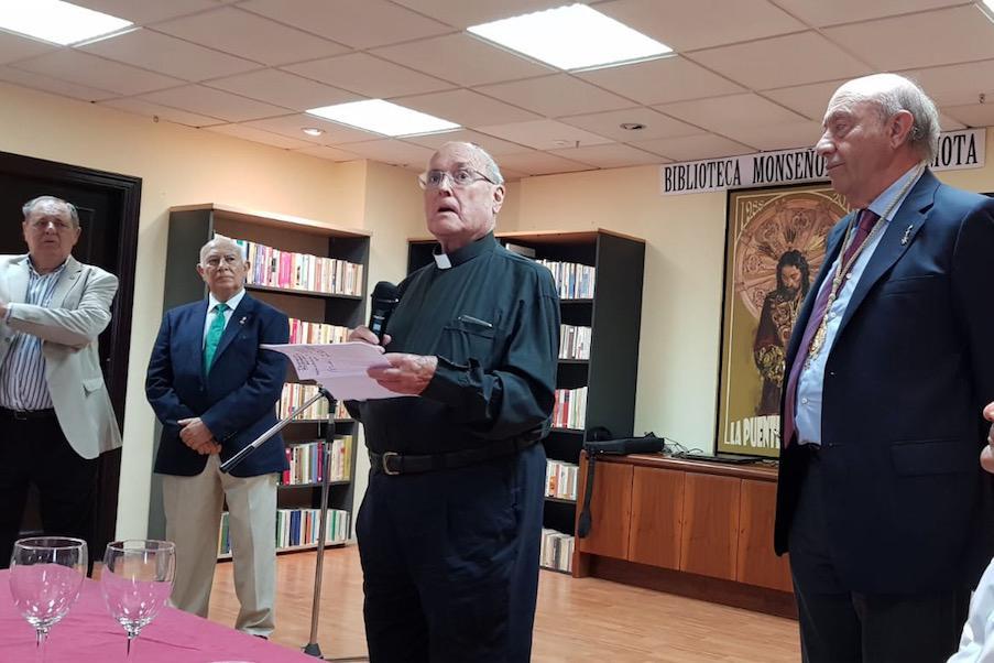 D. Francisco García Mota durante la inauguración de la biblioteca que lleva su nombre