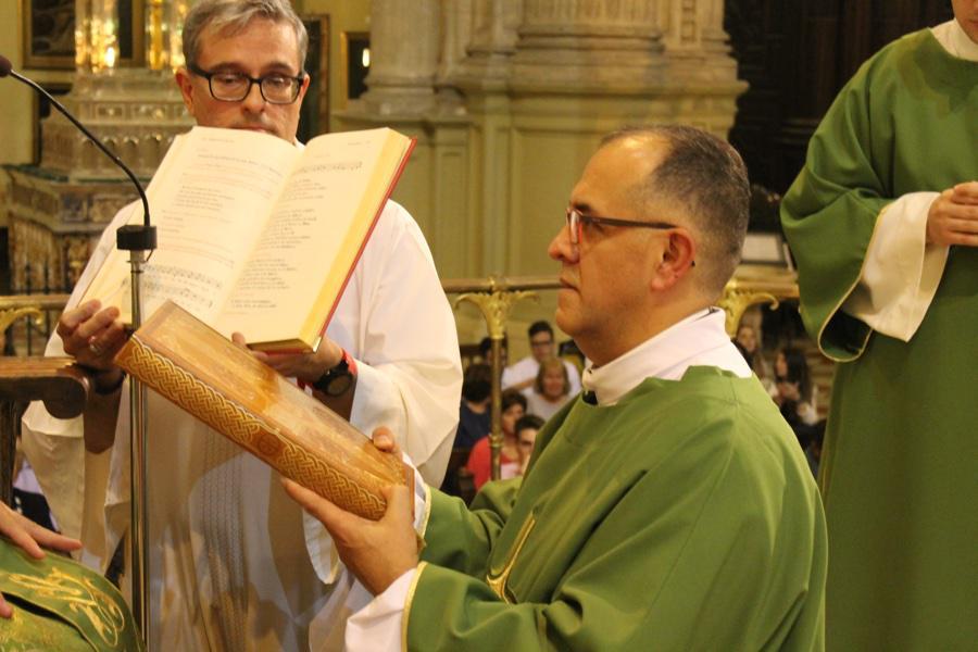Ordenación de diáconos y ministerio de Lector y Acólito en la Catedral  · Autor: D. GUTIÉRREZ