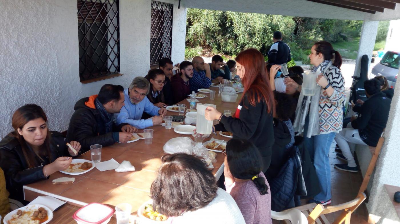 Uno de los momentos de la convivencia interreligiosa de jóvenes celebrada en Mijas