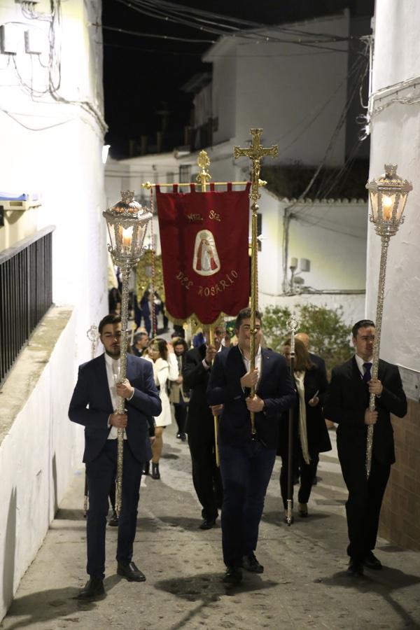Rosario vespertino con la participación de estandartes de todas las Patronas Marianas de la Diócesis de Málaga, en Algarrobo // Y. MARTÍN
