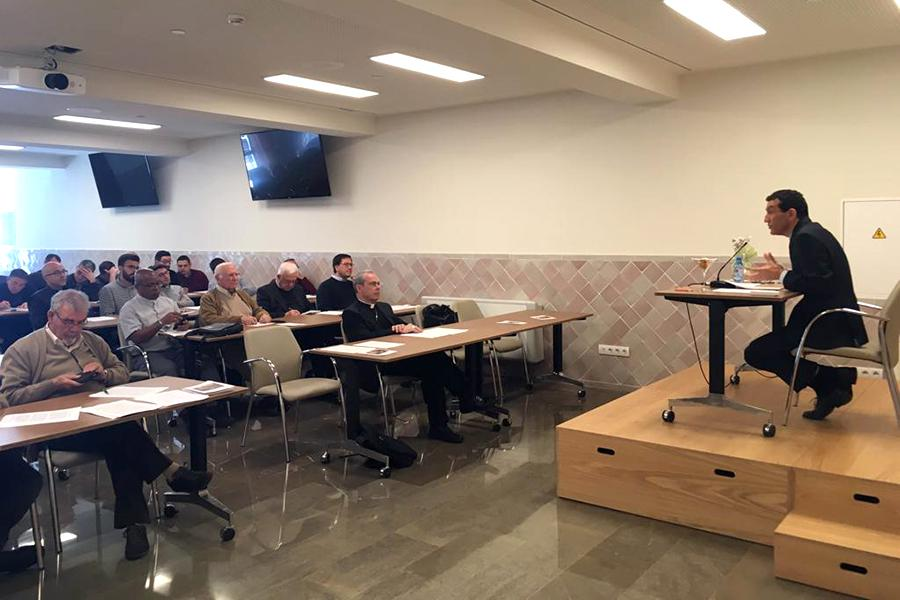 Encuentro de formación permanente del Clero de Málaga, del 29 de abril