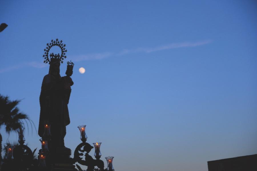 Virgen del Carmen de Rincón de la Victoria durante su salida extraordinaria celebrada el pasado 15 de junio con motivo del centenario de su primera salida procesional // TURISMOENRINCON.ES