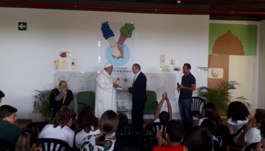 El Obispo y el imán de Fuengirola se encuentran con niños cristianos y musulmanes en el II Campamento Interreligioso de Verano