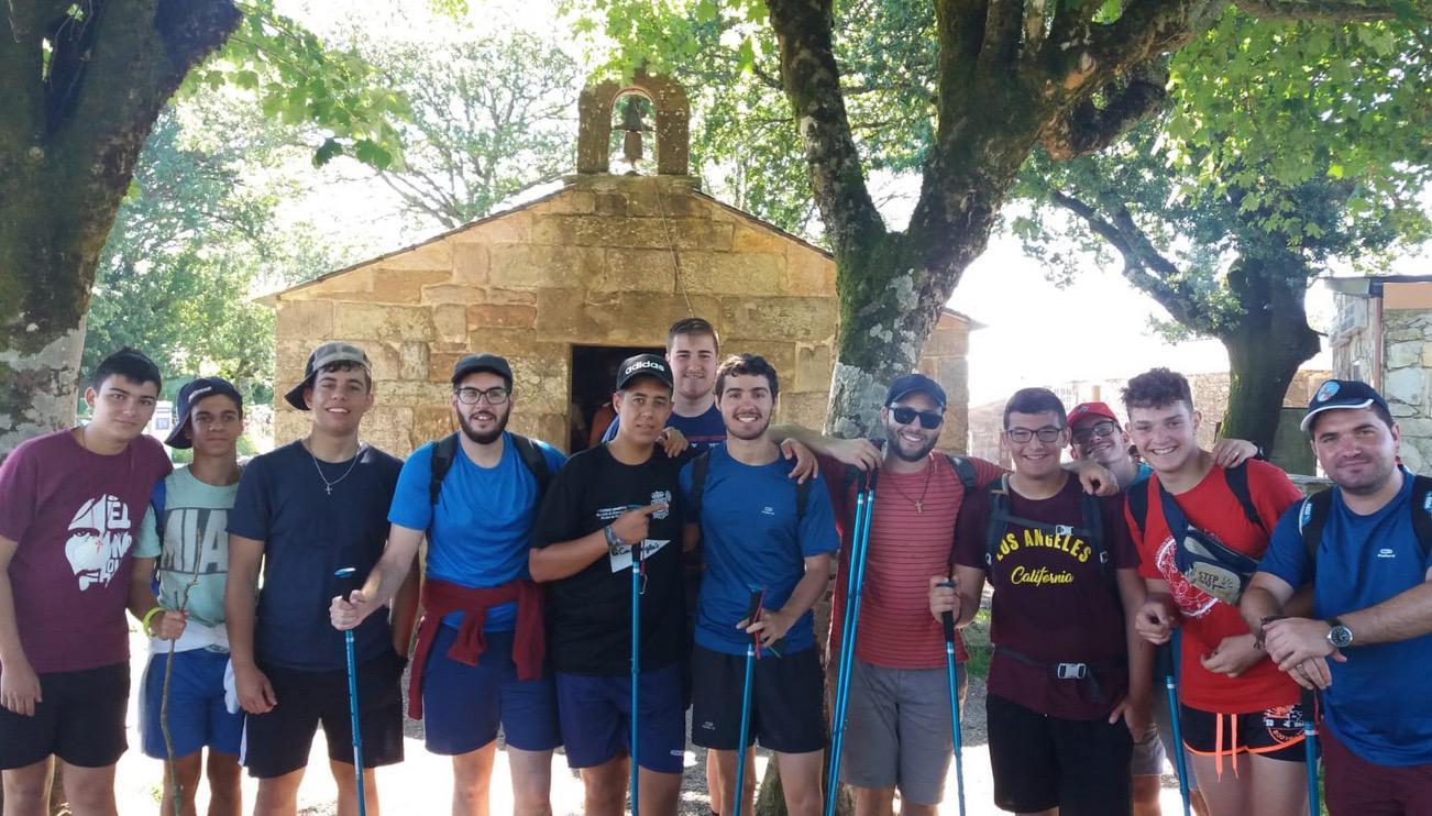 Camino de Santiago de formadores y jóvenes del Seminario Menor