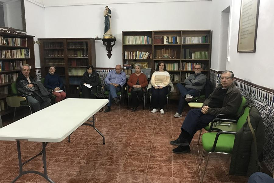 Encuentro del delegado de Hermandades y Cofradías, Manuel Ángel Santiago, con la Agrupación de Cofradías de Semana Santa y Hermandades de Gloria de Melilla