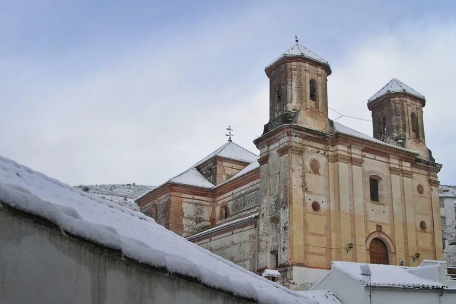 Iglesia de la San Antonio de Padua en Alpandeire