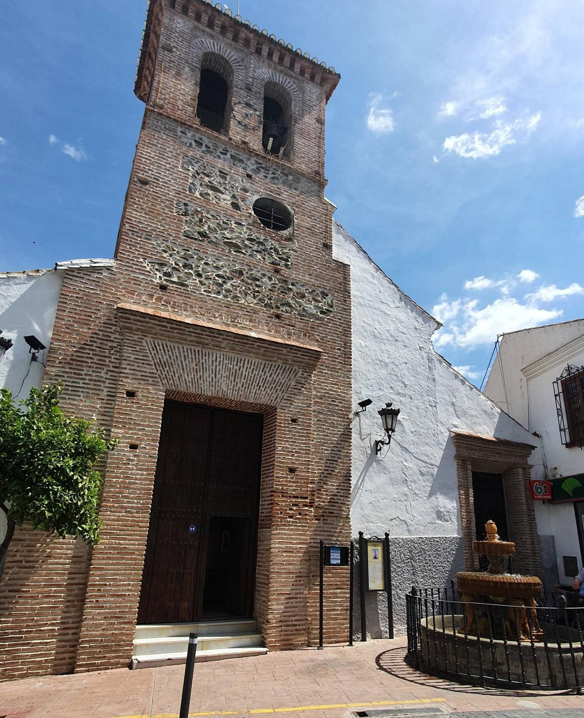 Parroquia de San Mateo Apóstol en Almachar // R. Reyes