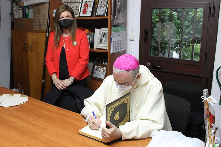 Visita Pastoral del Sr. Obispo, D. Jesús Catalá, a Moclinejo y El Valdés