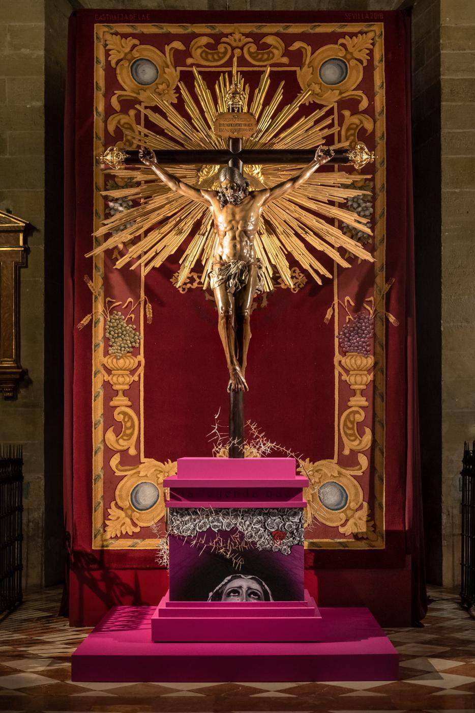 Exposición y veneración de imágenes El Verbo Encarnado. Santísimo Cristo de los Milagros. Capilla de San Miguel (Puerta de San Nicolás).